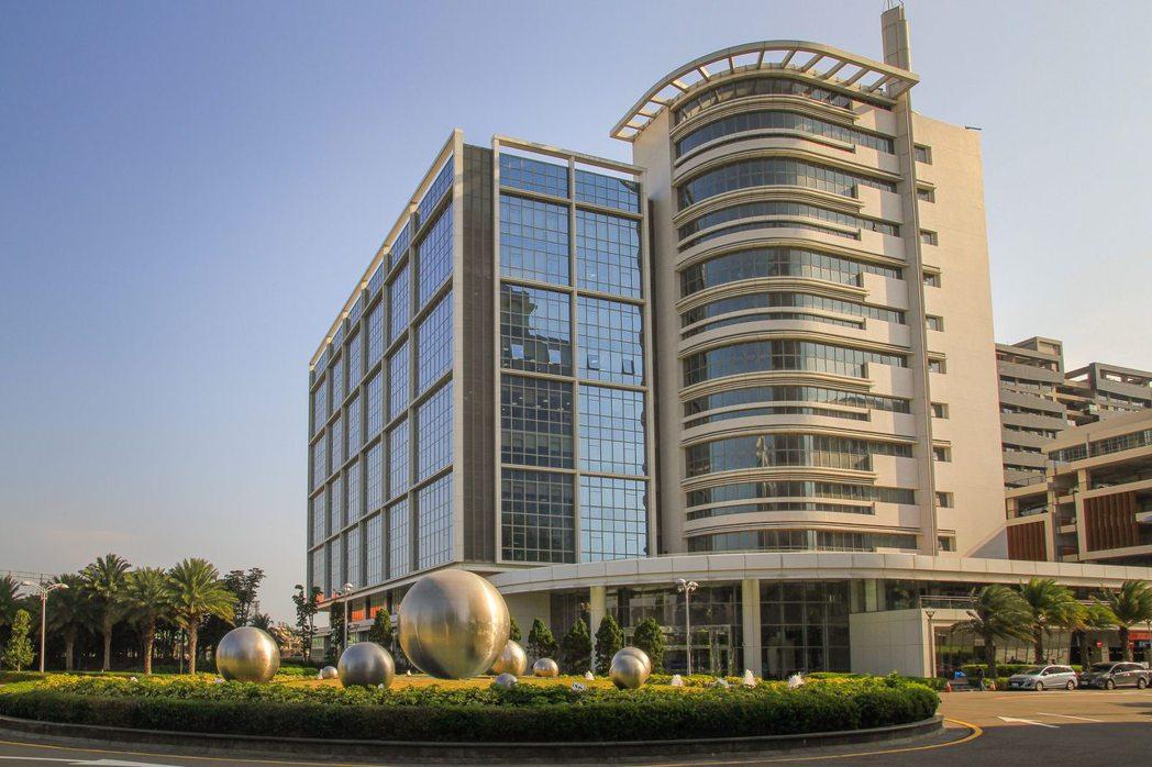 「KCTC凱峰世紀科技中心」吸引相鄰台元科技園區半導體業者進駐,作為公司資產或是...
