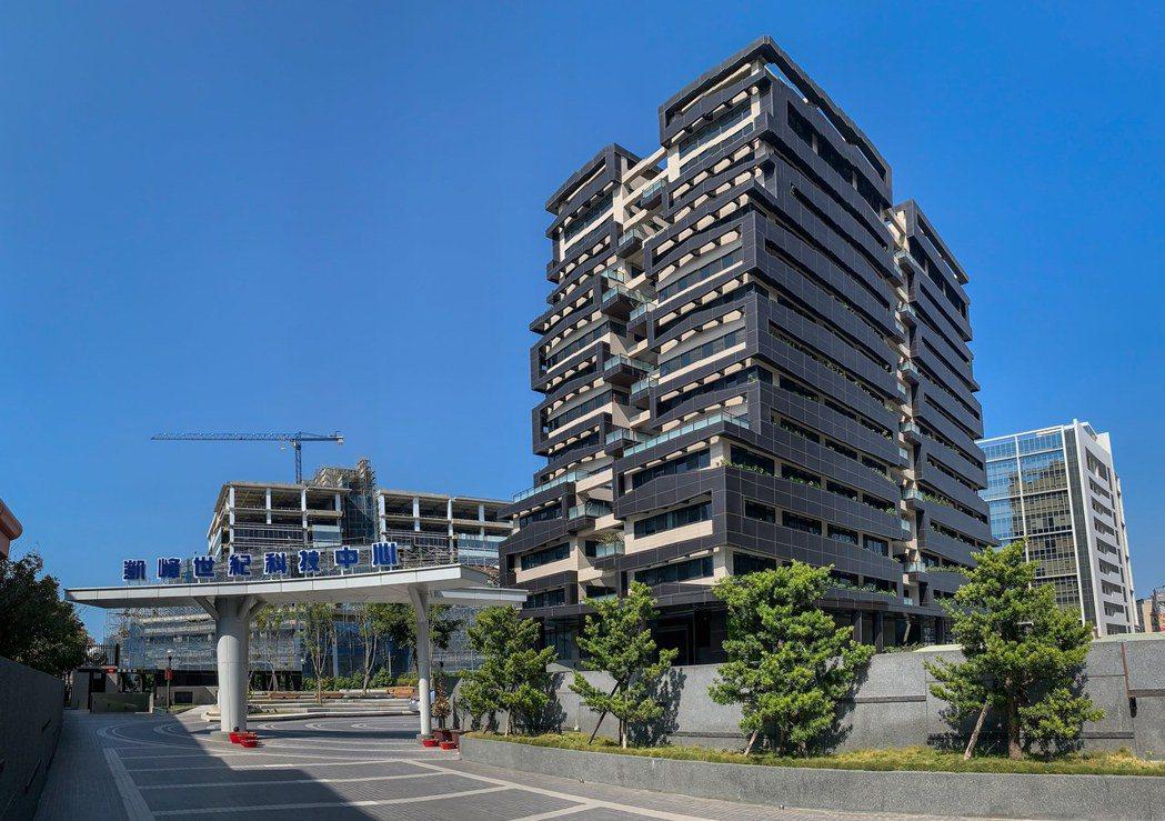 「KCTC凱峰世紀科技中心」為區域少見的黃金級綠建築。 業者/提供