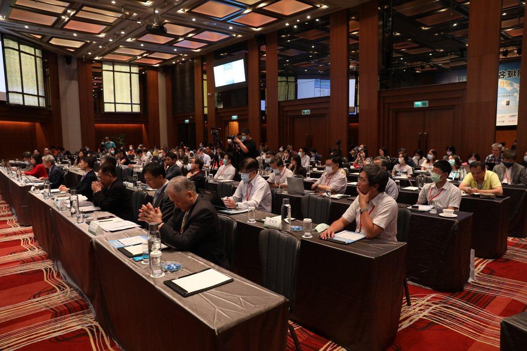 資策會科技法律研究所受TWNIC委託,18日舉辦「網域名稱爭議處理20週年研討會...