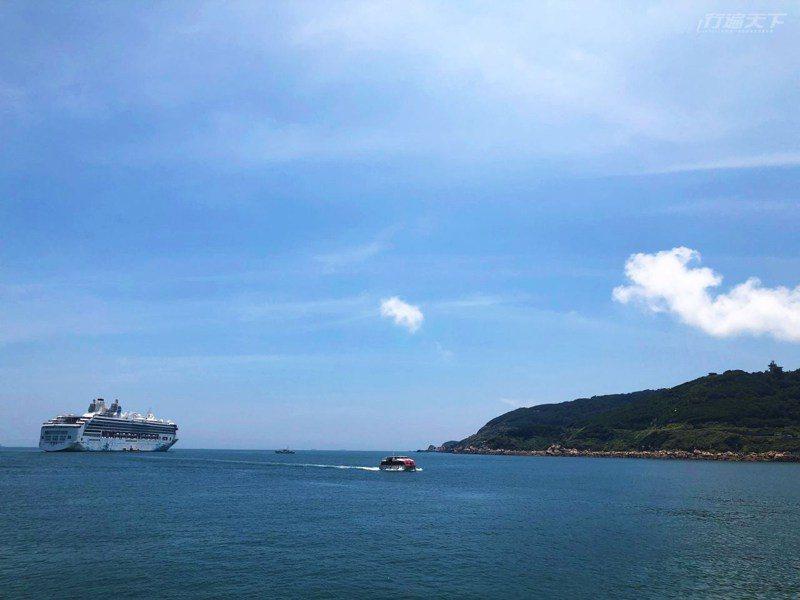 搭乘有海上皇宮之稱的郵輪,輕鬆就可台灣跳島玩。