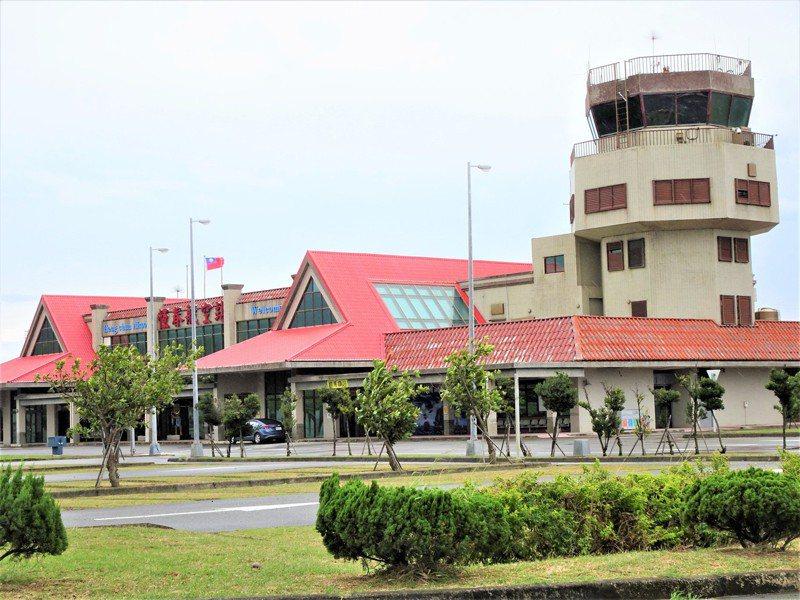 屏東縣政府將於9月21日上午首次在恆春機場辦理國際試航,由白金航空公司從菲律賓馬尼拉機場飛至恆春機場,作新闢航線的試飛並了解整體飛行環境後順利離境。記者潘欣中/攝影