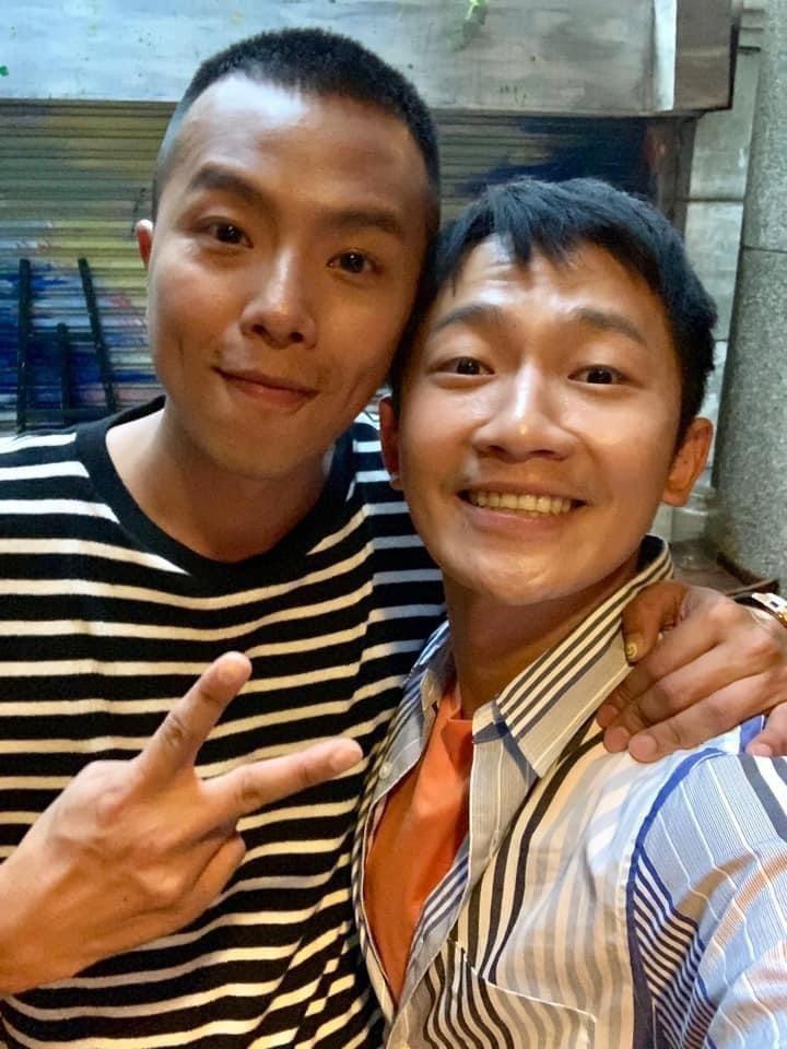 蔡昌憲(右)不捨好友小鬼驟逝,分享過去與小鬼的合照與點滴。圖/摘自臉書
