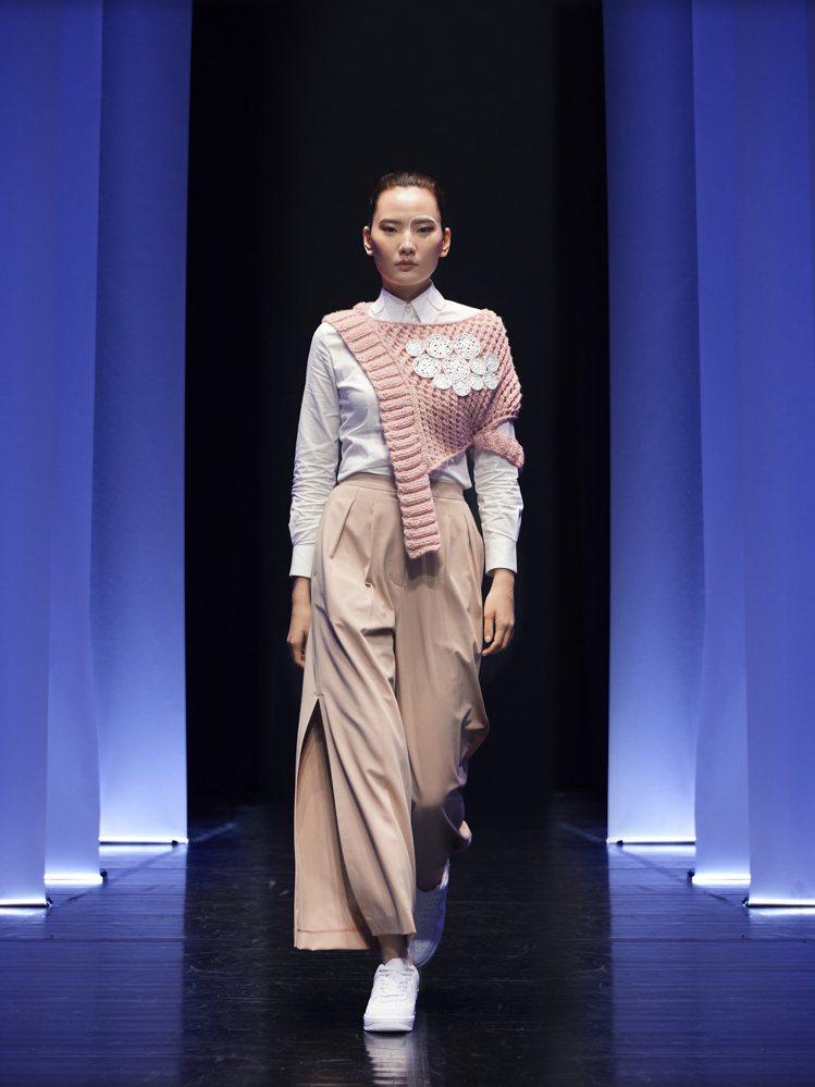 針織服裝是詹朴擅長發揮的領域。圖/APUJAN提供