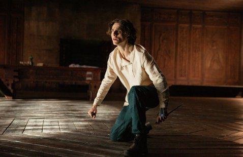 「沙丘」提摩西夏勒梅演出保羅的不馴與脆弱。圖/華納兄弟提供