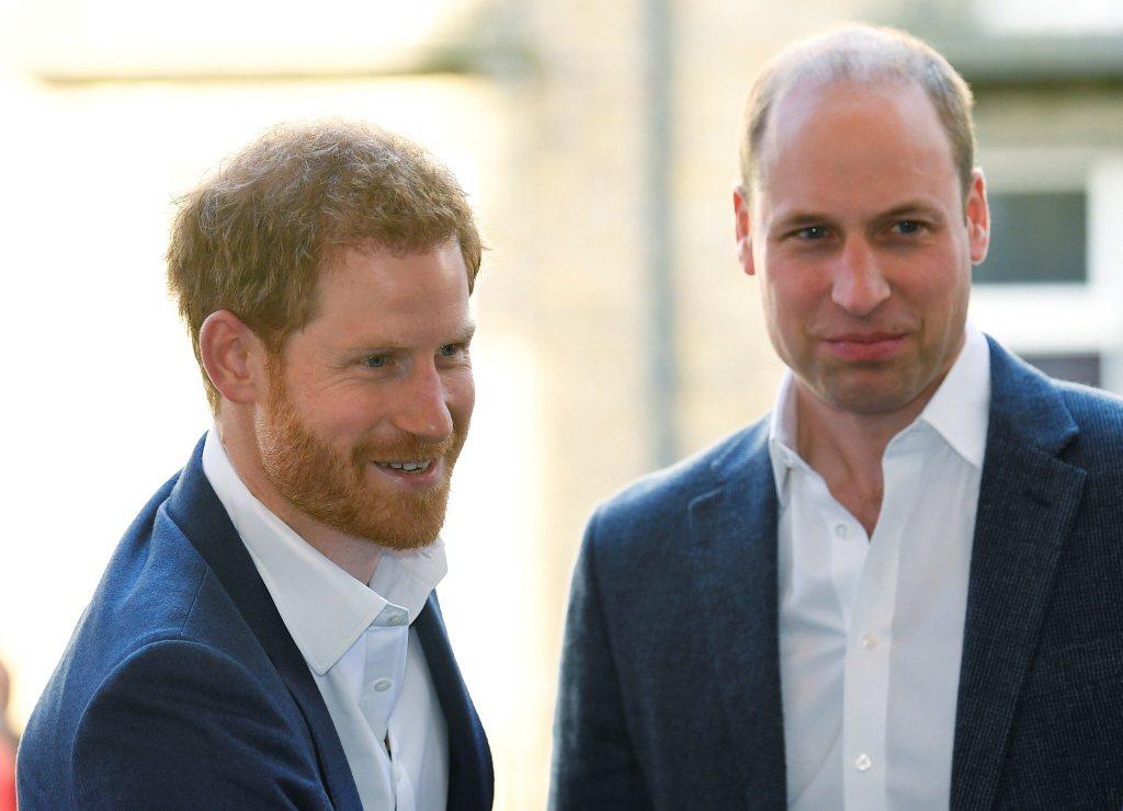 威廉(右)與哈利曾是手足情深的兄弟。圖/路透資料照片