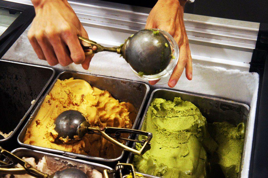 雪王冰淇淋研發73種口味。 圖/島內散步提供