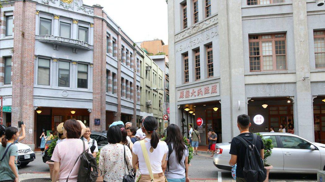 大稻埕迪化街。 圖/島內散步提供