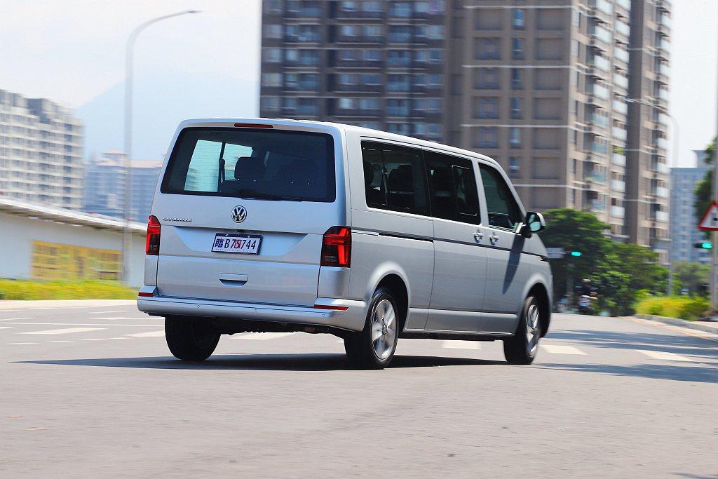 不過IQ.DRIVE智能駕駛輔助系統,僅有福斯商旅T6.1 Caravelle ...