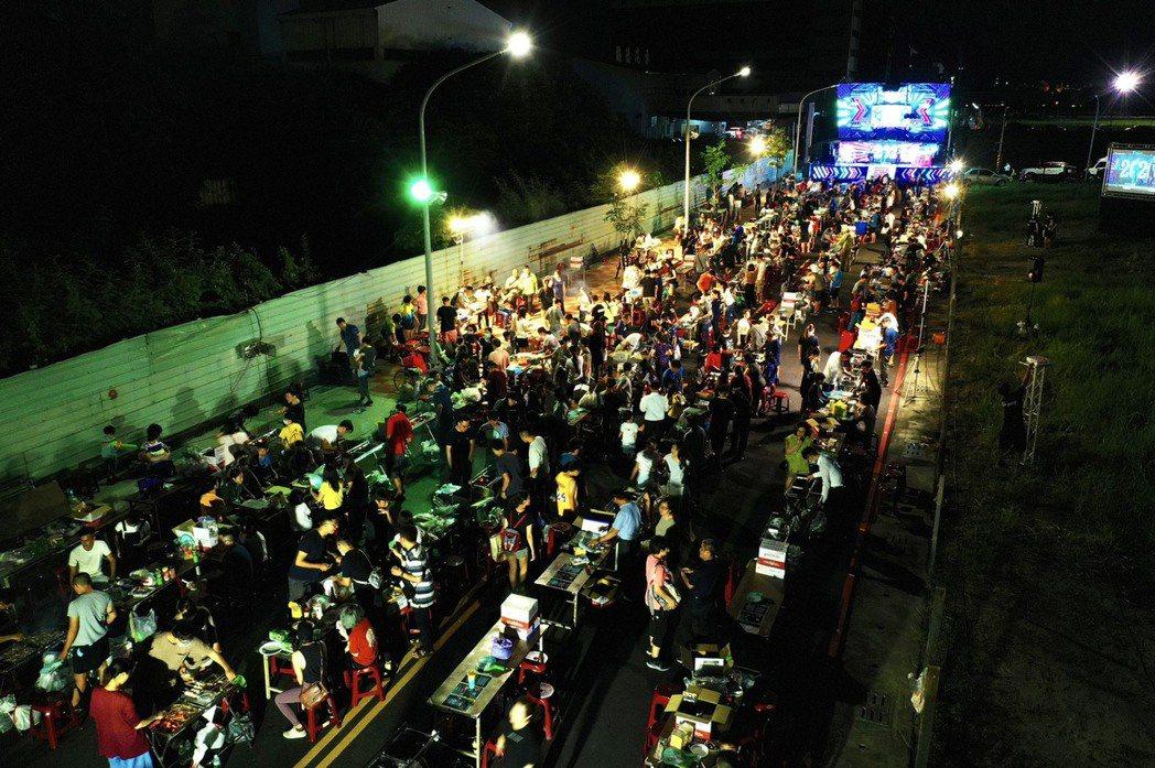 多城國際封街辦千人烤肉趴,今年是第4年,活動現場掌控得相當好。