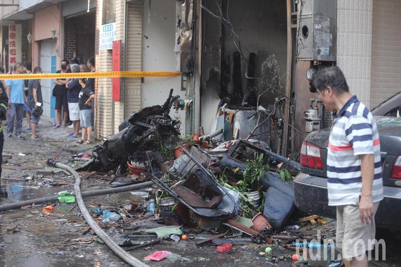 台中市東海夜市商圈氣爆引發大火。記者黃仲裕/攝影