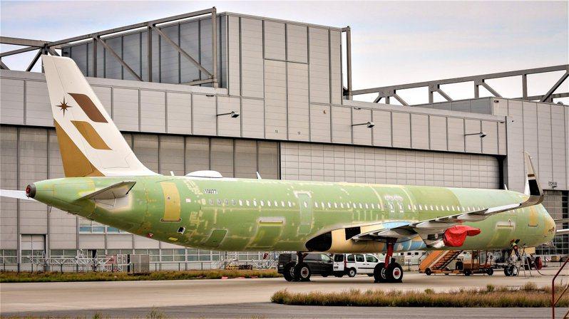 星宇航空說,「老四機」已完成機身接合,預計10月返抵桃園國際機場。圖/取自星宇航空臉書粉絲專頁