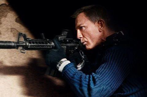 丹尼爾克雷格最後一部龐德片「007生死交戰」還沒上映,英國媒體就已經急著宣布接他棒子的繼任人選,The Vulcan Reporter稱「瘋狂麥斯:憤怒道」、「猛毒」的湯姆哈迪雀屏中選,最快等「00...