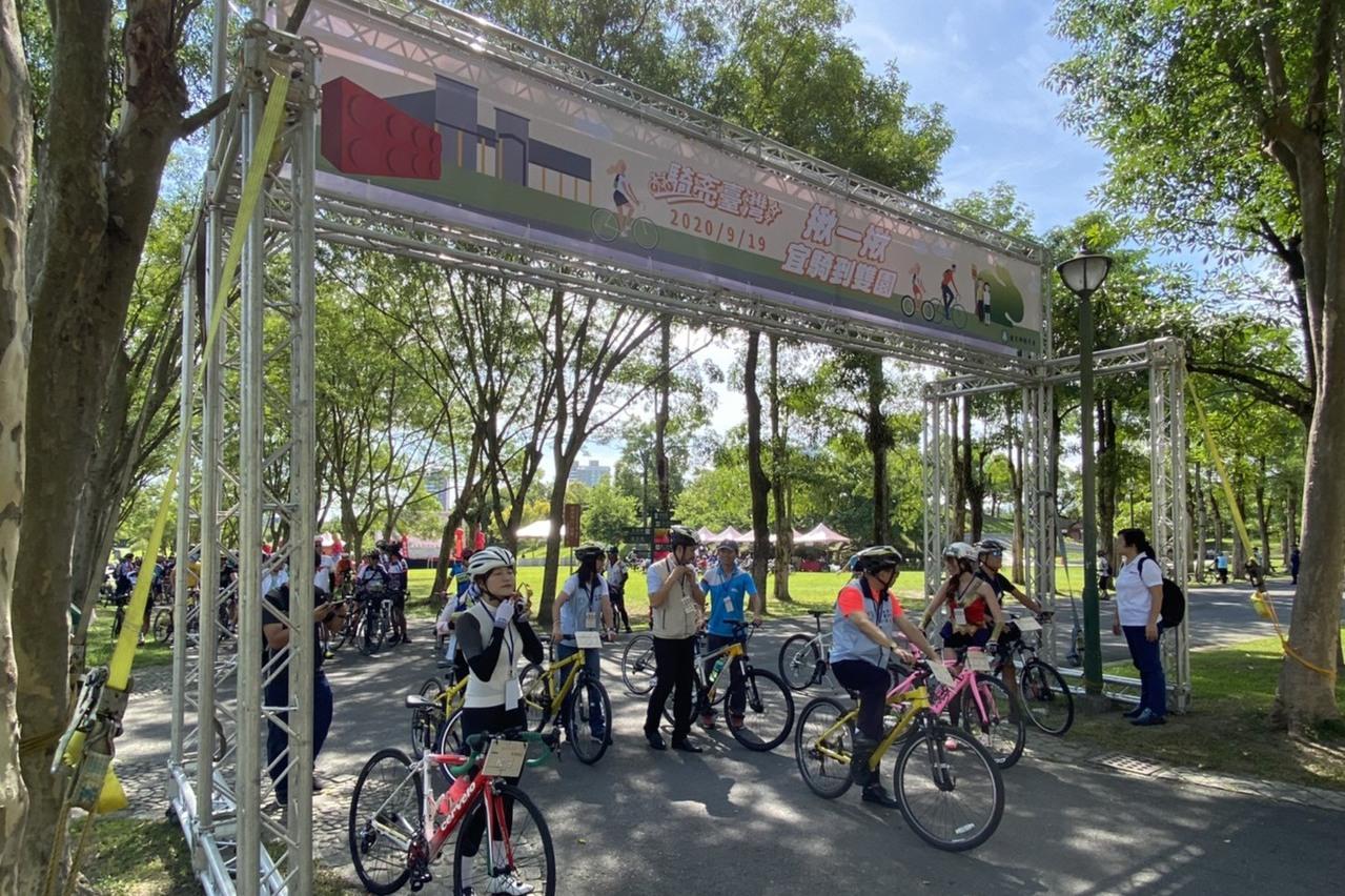 宜蘭最讚路線 雙園自行車道百人暢遊