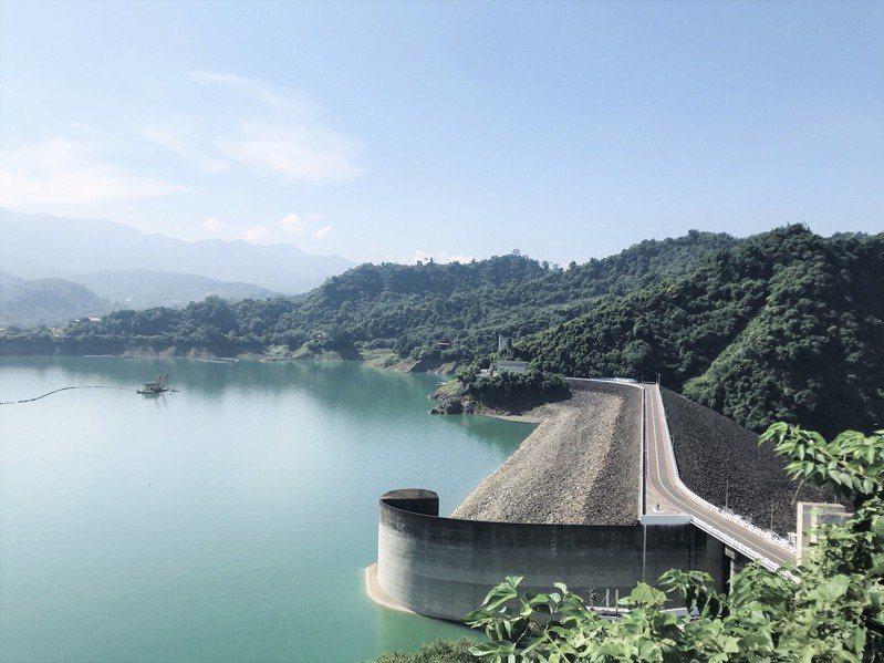 台南曾文水庫蓄水量剩4成只有2億立方公尺,約只有往年同期水量的一半。圖/南水局提供