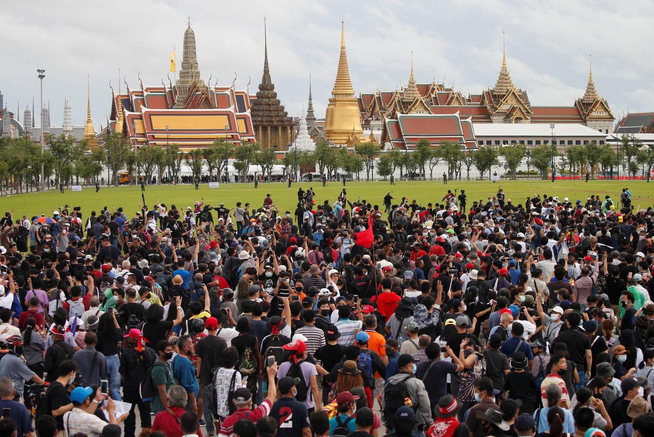 泰3萬人示威 要總理帕拉育下台