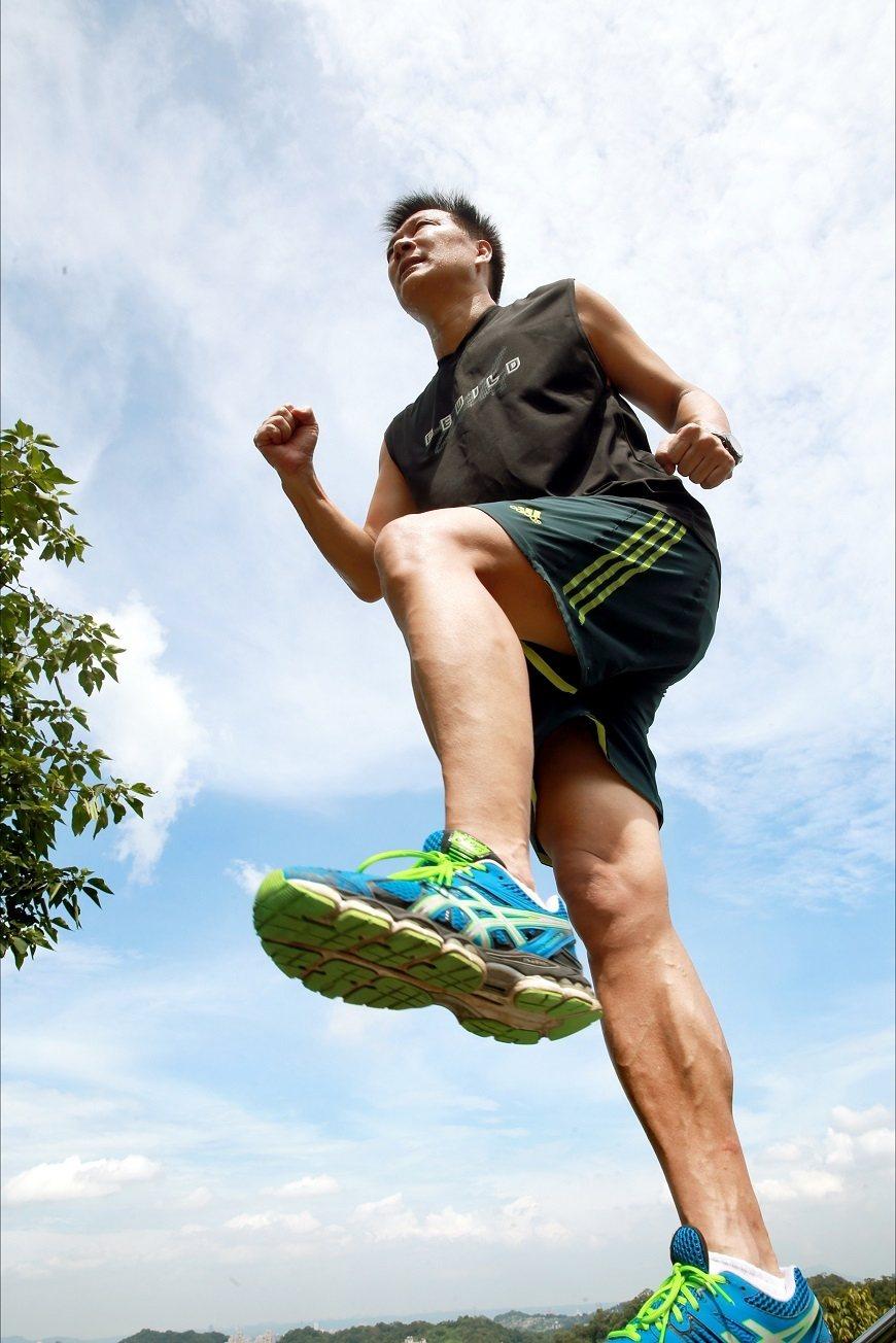 蔡詩萍勤於練跑,他希望自己可以持續挑戰馬拉松,直到跑不動為止。 圖/取自50+(...
