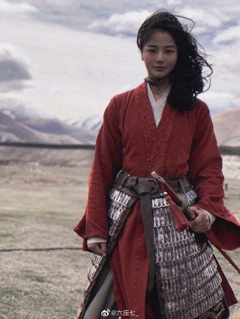 《花木蘭》女主角的替身演員劉亞西。圖擷自微博