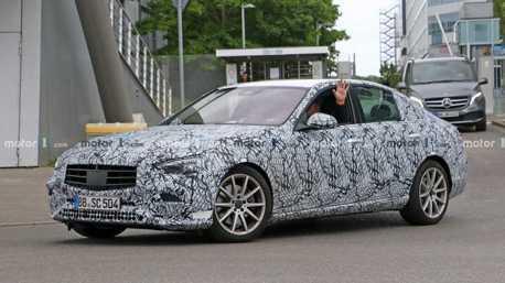 一次兩輛帥哥!全新Mercedes-Benz C-Class Sedan與Estate測試捕獲