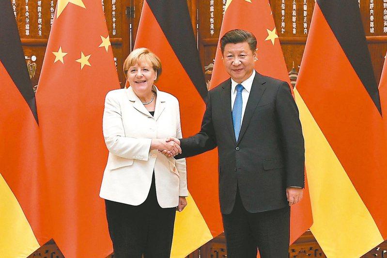 梅克爾想藉歐中高峰會總結任內對中國外交的成果的一次會議,但中歐關係仍繫於11月美國總統大選的結果。圖/新華社資料照片