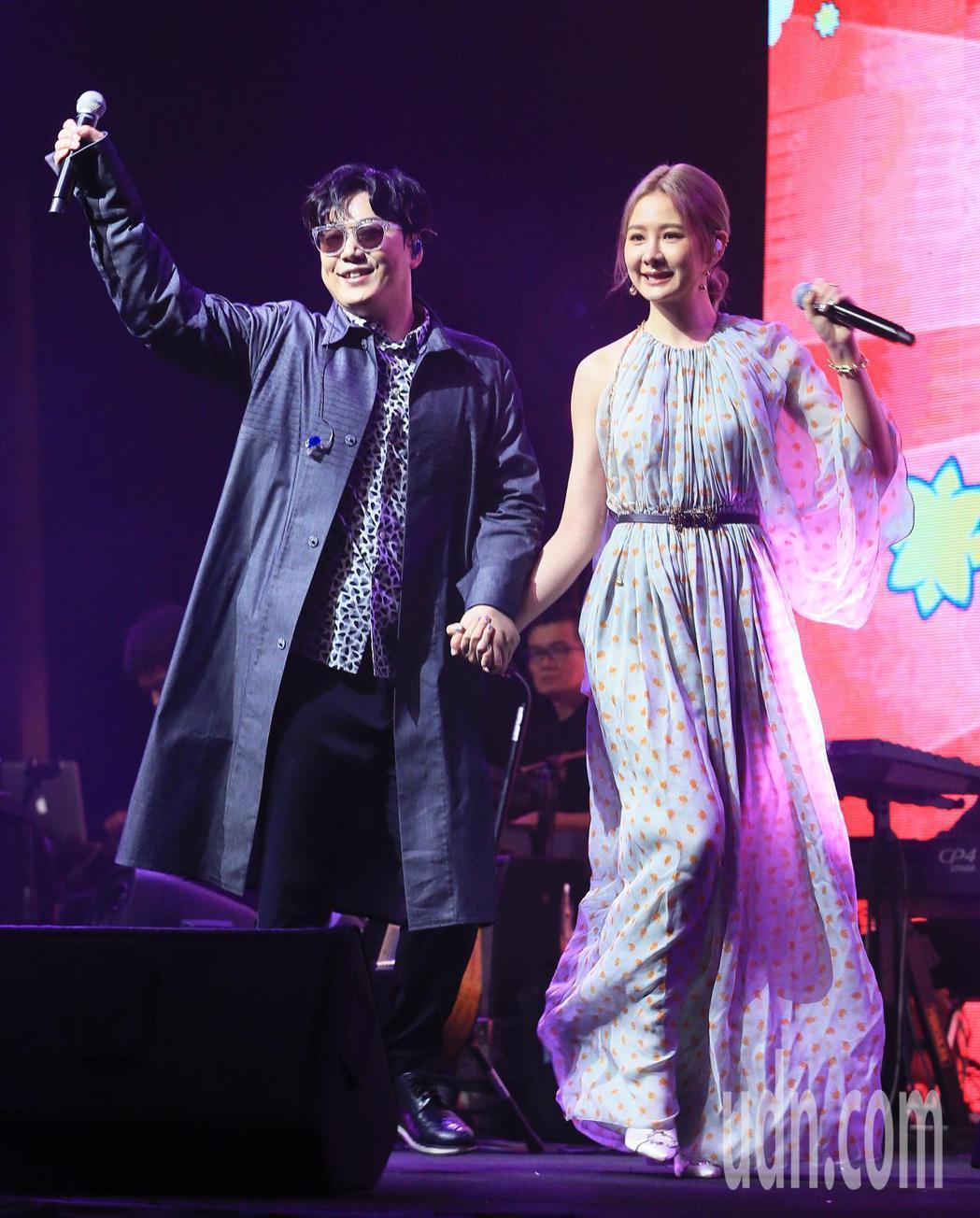 蕭煌奇(左)邀請安心亞擔任嘉賓。記者潘俊宏/攝影