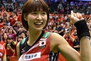 日本前排球女神戴髮箍比YA 陽光笑臉迷倒網友:皮膚好好!