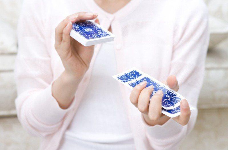 南韓發生一則打牌引起的命案。示意圖,非當事人及事物。圖片來源/ingimage