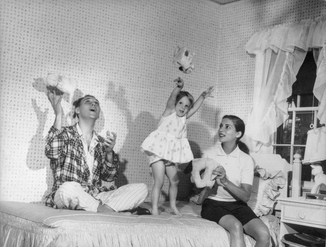 1958年,RBG與她的先生馬丁.金斯堡(Martin Ginsburg;201...