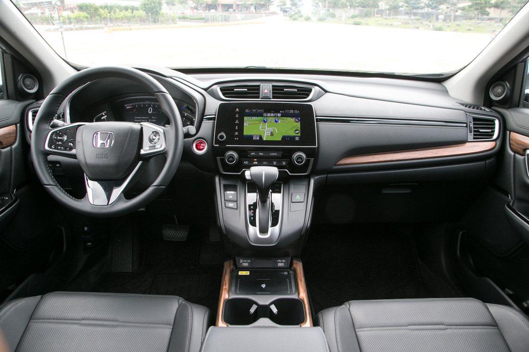 Honda CR-V在小改款之後,配備更為完整,CP值也更高。 記者陳立凱/攝影