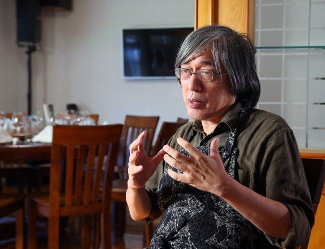 詹宏志用南國食材製作料理,表達對妻子的懷念。記者林澔一/攝影