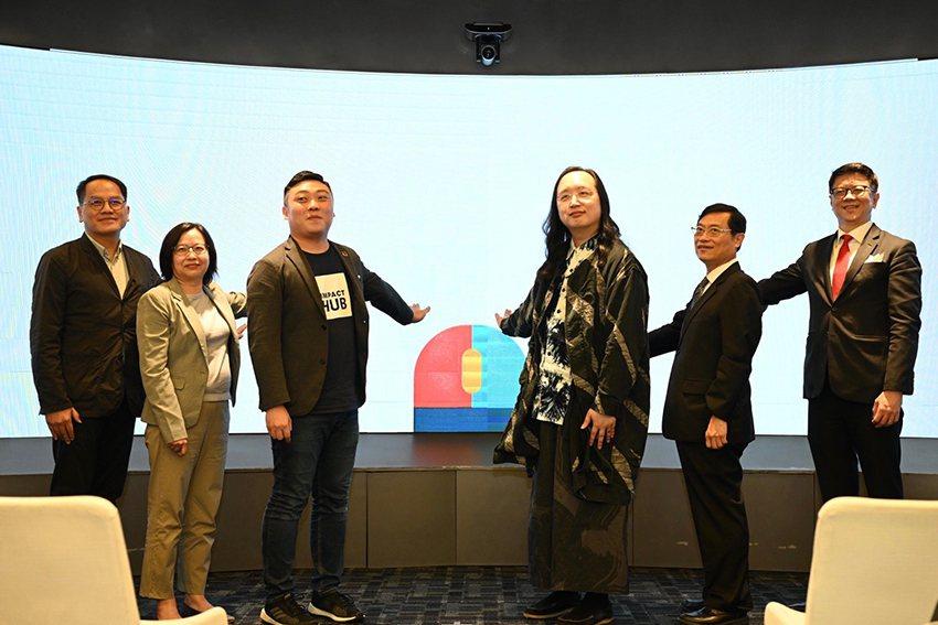 文化部政務次長彭俊亨(左起)、衛福部政務次長李麗芬、Impact Hub Tai...