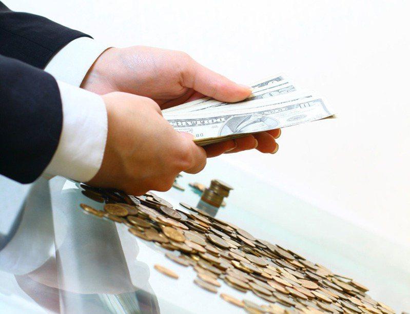 一項大型調查顯示,大量髒錢透過世界首屈一指的大型金融機構流動,暴露出銀行防護的漏洞。 圖/Ingimage