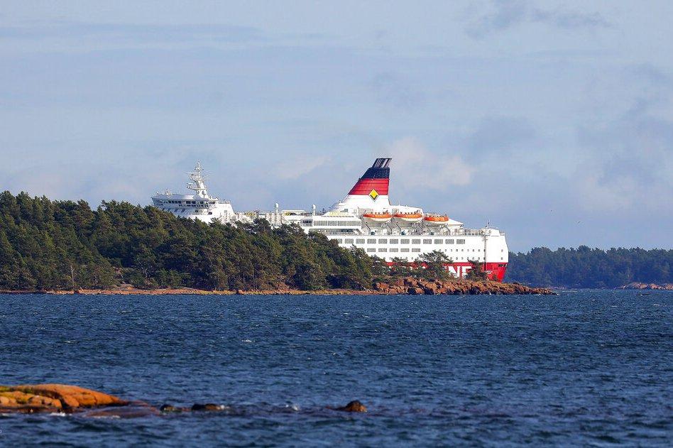 芬蘭渡輪擱淺波羅的海 200乘客安全上岸