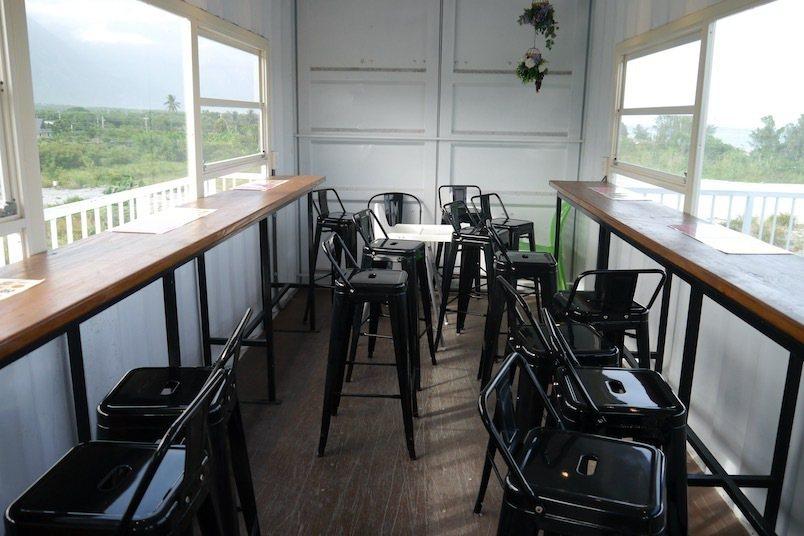 二樓用餐區,可面山也可以面海觀景。