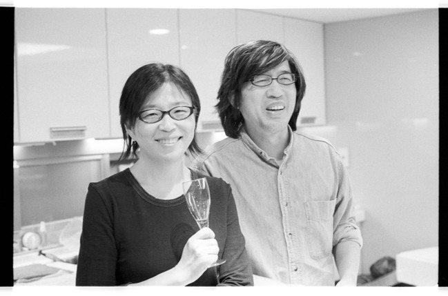 王宣一(左)生前很愛下廚。圖/詹宏志提供
