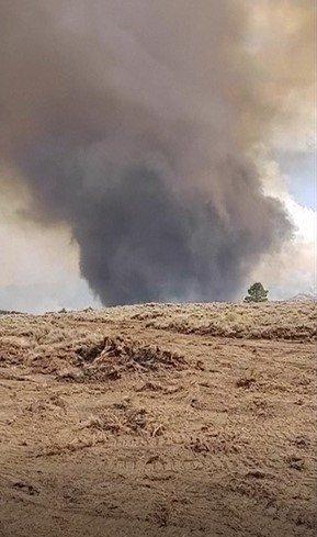 美國奧勒岡州近日野火蔓延快速,火勢一發不可收拾,至少10%人口、逾50萬人被迫緊...