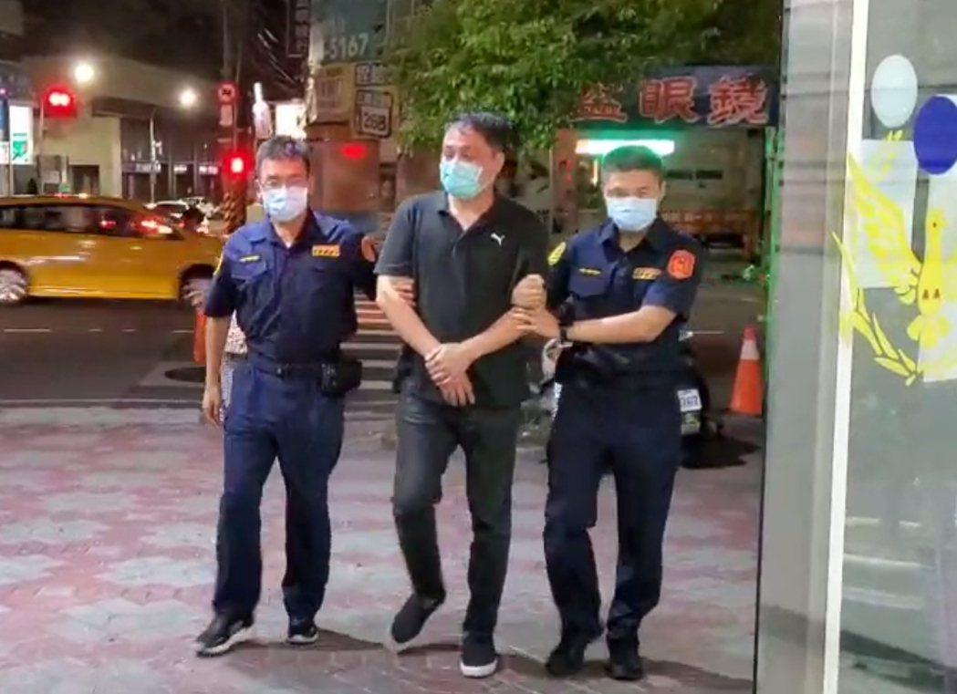 警方昨天深夜將劉嫌逮捕歸案。記者林昭彰/翻攝