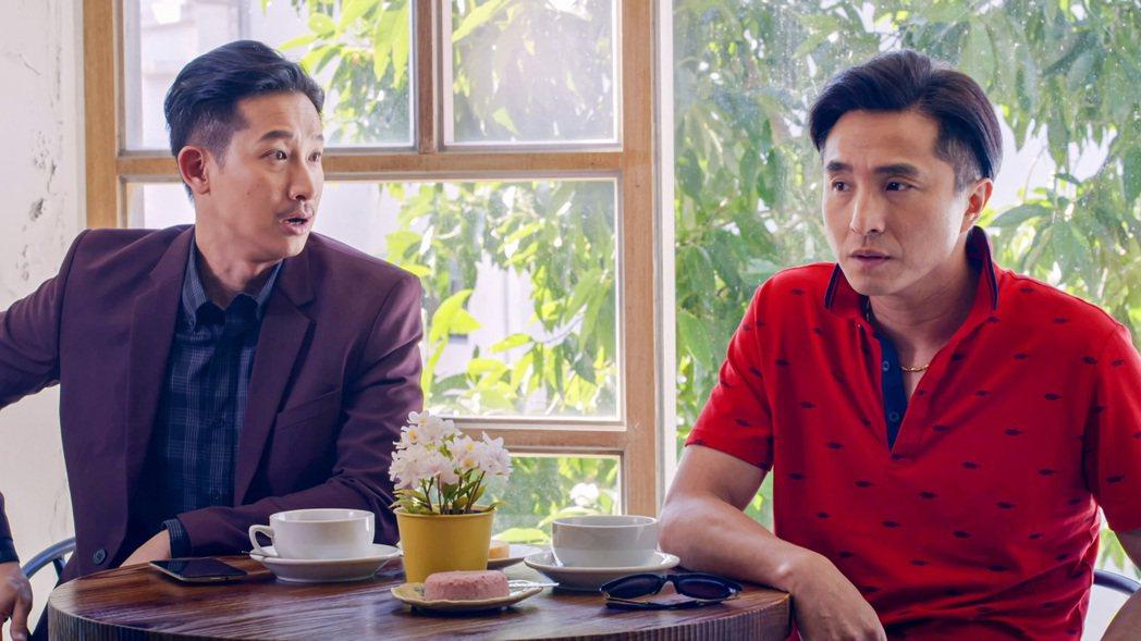 王少偉(右)將回歸珍賀齋與Darren爭奪繼承權。圖/公視提供