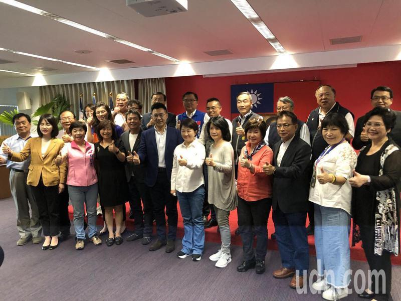 國民黨立法院黨團訪台中市府,了解需求,爭取預算。記者陳秋雲/攝影