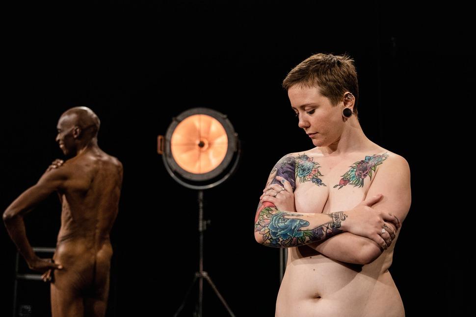 另類性教育!丹麥節目邀來賓赤身裸體 讓孩子問到飽