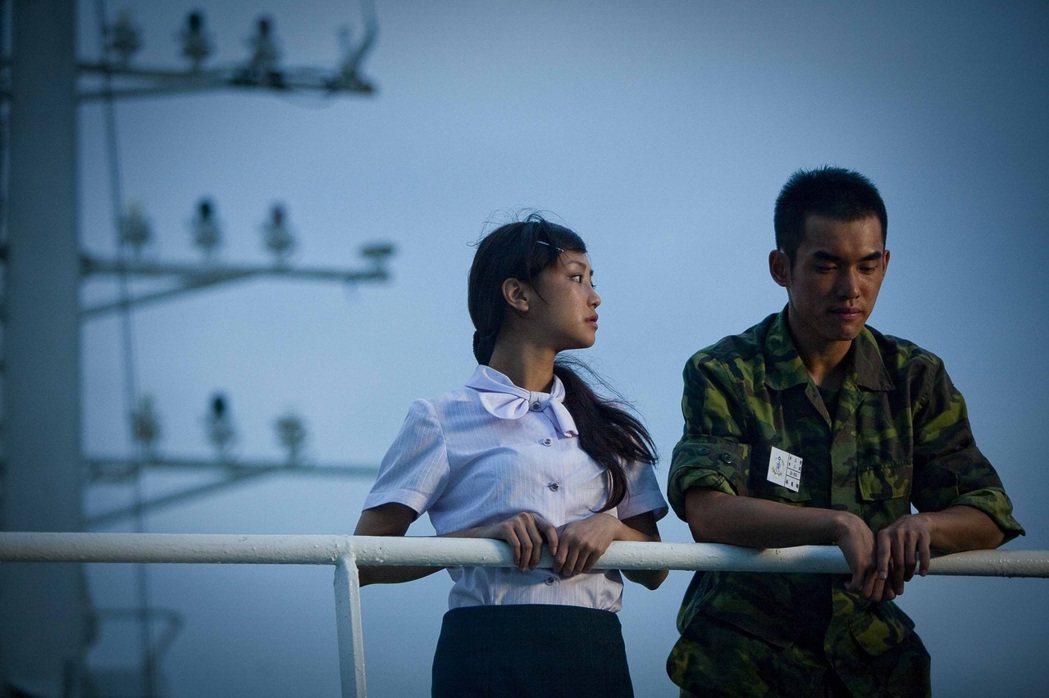 在台華輪取景的「有一天」今年迎接十週年紀念,謝欣穎(左起)和張書豪將和侯季然導演...