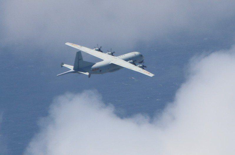 中共軍機近日一再擾台,飛越台海中線。圖/取自國防部官網