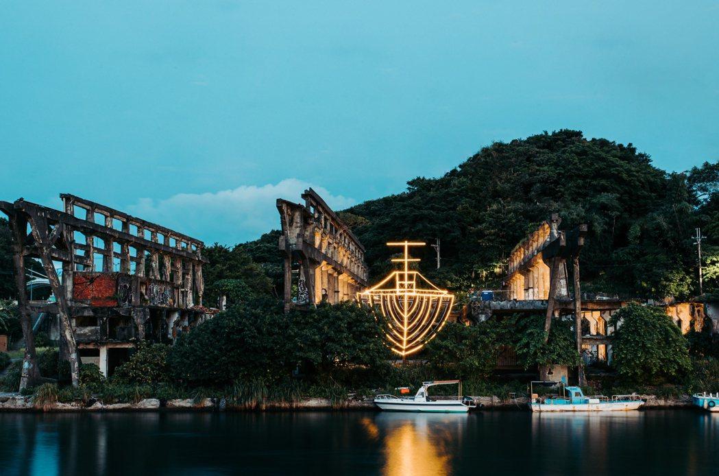 木罐子設計製作於打造阿根納造船廠臺灣最大船型光雕〈阿根納的船〉。 圖/宜東文化提...