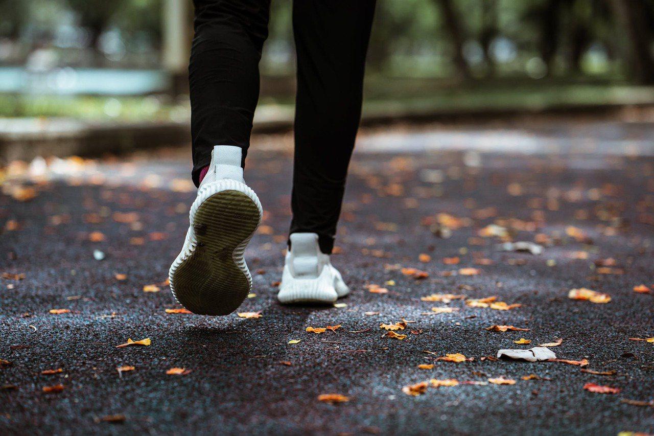 平常人難防範得到的,所以焦點還是該放在:控制高血壓等三高、正常作息、避免過勞、養...