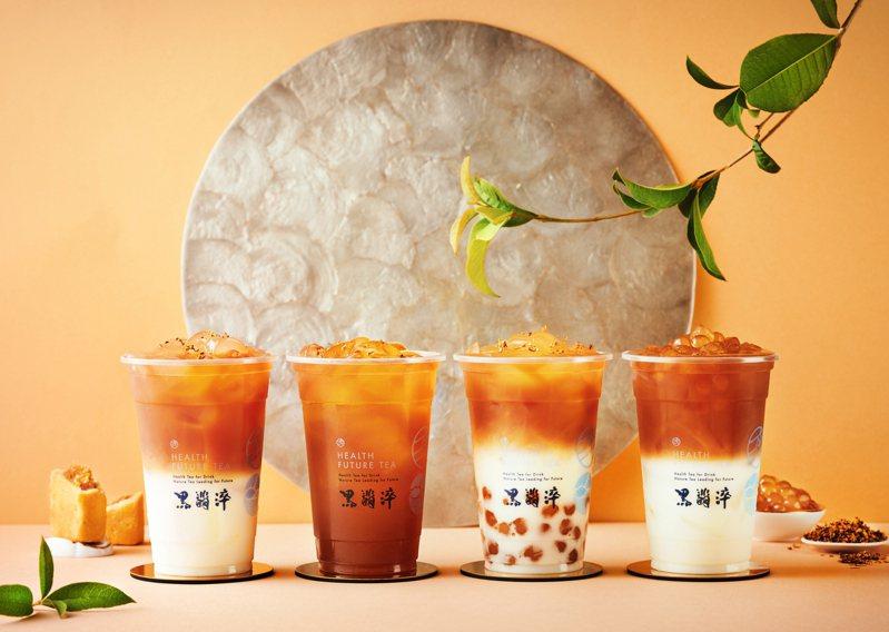 黑翡淬推出應景新品「鳳梨舒桂妃」(左)。 圖/黑翡淬提供