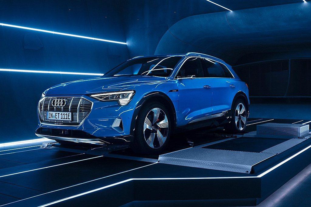 Audi首款純電動車e-tron將在白晝之夜現身,成為2020年台北白晝之夜當晚...