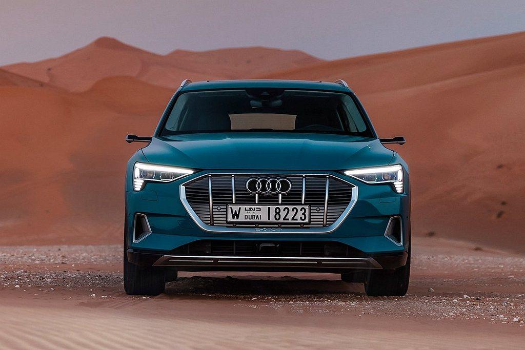 Audi e-tron在這12個小時將不再只是移動工具,而是能提供民眾美好的生活...
