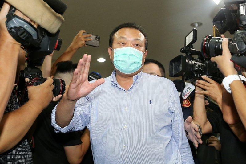 立委蘇震清涉收賄案遭羈押禁見,據傳他在法庭上以「英文很差」理由,不會逃到國外生活,要求保釋。聯合報系資料照片/記者林伯東攝影