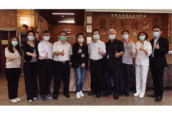 台北市副市長黃珊珊與市府官員到台北市聯合醫院鼓勵第一線防疫人員。 臺北市立聯合醫...