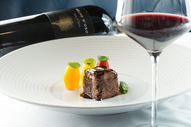 布根地燉牛肉小農蔬菜,搭配義大利Gelso D'Oro酒莊Nero di Tro...