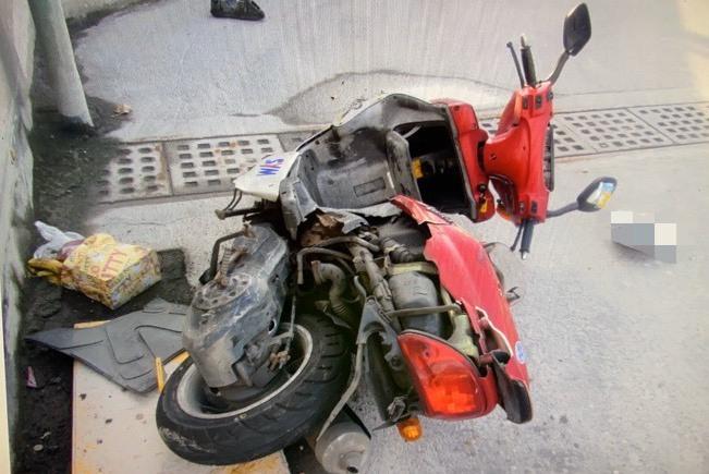 聯結車不當變換車道擦撞轎車 波及1騎士顱內出血送醫
